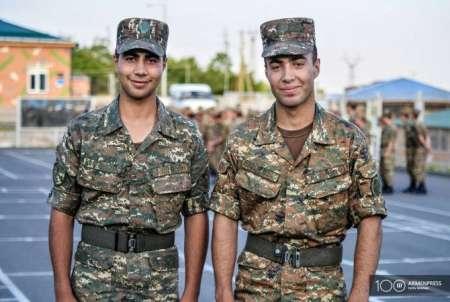 Ռուսաստանում բնակվող հայ եղբայրները ՀՀ զինված ուժերում ծառայելու համար վերադարձել են հայրենիք